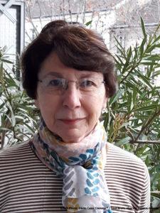 Portrait de Monique Joannès, une collectionneuse de fèves.